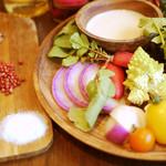 サントラントヌフ - 産地直送野菜のバーニャカウダ