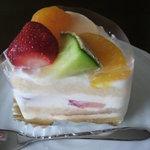 ポムドール   - フルーツのショートケーキ