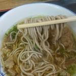 82393357 - そばはフガ麺だが、スープがウマウマ( ̄∇ ̄)