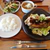 味噌 DE りすとらんて 発酵文化研究所 - 料理写真:豚てき400g¥1800+税