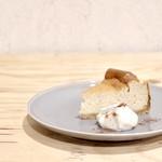 四歩 - スパイスベイクドチーズケーキ