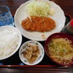 焼鳥日高 - 料理写真:ロースかつ定食¥490-