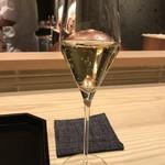 82401654 - シャンパン