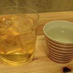 ネオメグスタ - ◆ばくれん(山口・辛口の日本酒:500円)、まるで梅酒なノンアルコール(400円):コレスッキリした味わいで美味しい。