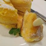 B.Linda - フレンチトーストみたいなパンケーキ