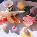 楽園の果実 - キュートなマンゴープリンのプレート