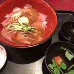 華屋与兵衛 - ローストビーフ丼 (ごはん少なめ)