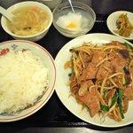 満福園 - ランチ-ニラレバ定食750円
