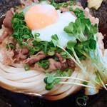 情熱うどん 讃州 - 柔らかく美味しい肉でした。