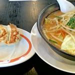 幸楽苑 - 料理写真:味噌野菜らーめんギョーザランチ 799円
