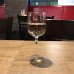 熟成肉バル オオゾネウッシーナ - 白ワイン