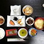 柳屋 - 朝食