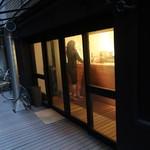 パブリック スペース - お店入口