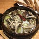 飯場 - 牡蠣のアヒージョ
