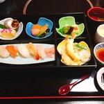 開花亭 - 寿司昼膳(1350円)