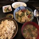 日ごろ - セロリとピーマン、高野豆腐の炒め物定食