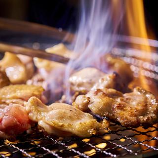 全国各地の地鶏と希少部位をお席でお焼きいただけます♪