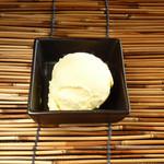 元気海鮮 朝日食堂 - バニラアイス