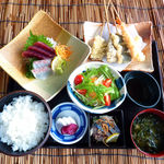 元気海鮮 朝日食堂 - 彩り和膳