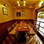 夕焼け麦酒園 - 2Fはテーブル席もご用意しております!最大35名宴会収容可能!