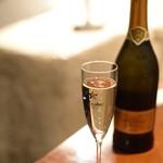 アンジェロ - まずは泡で乾杯!