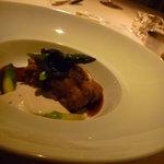 オーベルジュ ド プリマヴェーラ - メイン:仔牛胸腺のポワレ ラール・グラ風味。内臓近くのお肉☆セロリの泡ソースと醤油ソース♪