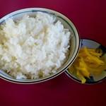 豚菜館 - ライス大と漬物