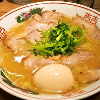 らーめん 小鉄 - 料理写真:塩らーめん(チャーシュー&味玉トッピング)
