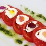 ラ・エピキュレア - スーパーフルーツトマトのカプレーゼ