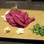 焼肉 武田や - ◆馬刺し(赤身:1800円)・・お肉がキレイですし、量もタップリ。