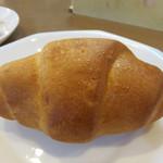 ハローブラウン - 塩バターパン100円。