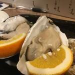 海鮮立呑 牡蠣スタンド - パワーと旨味の塊 たまには食べなきゃね!