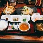 小魚阿も珍 - 料理写真:日替わりランチ、カレイの唐揚げ