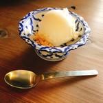82463520 - ココナッツアイスクリーム(250円)