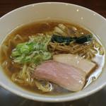 純手打ち だるま - 料理写真:醤油らーめん(中)800円