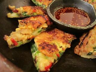 韓国家庭料理ジャンモ ココリア多摩センター店 - ちょっぴり厚手で食べ応えあります