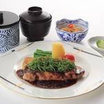 湖穂里 - エゴマ豚ステーキ膳