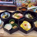 回転寿司 とんぼ - 料理写真:七段重ね864円