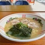 ラーメン北浦 - 料理写真:ラーメン[¥600]