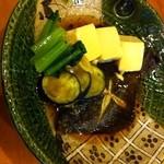 日本料理ききょう - メイタカレイの煮付け