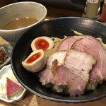 いかれたヌードル フィッシュトンズ - 特製つけ麺¥1050