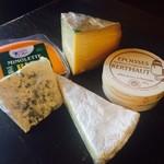 VIA THE BIO のチーズ盛り合わせ
