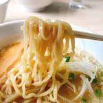 大木 - 鶏白湯・醤油の麺リフト