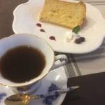 いちかわ珈琲 - 料理写真:ブレンド、シフォンケーキ