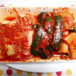 沈菜館 - ¥1080-のキムチの盛合せ