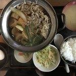 金太郎 - 牛鍋すき焼き定食 550円