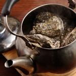 炙り屋銀次 - 牡蠣の蒸し焼き