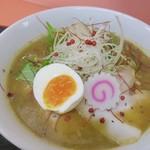 萬福軒 - ベジポタ  濃厚なスープが美味い ピンクペッパーで彩り