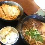 ふる里 - 料理写真:カツ丼セットのうどん