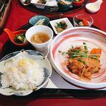 FRENCH JAPONEZE Maruyama - お魚のランチ @1,000円 この日の主食は桜ごはんで。パンも選べます。
